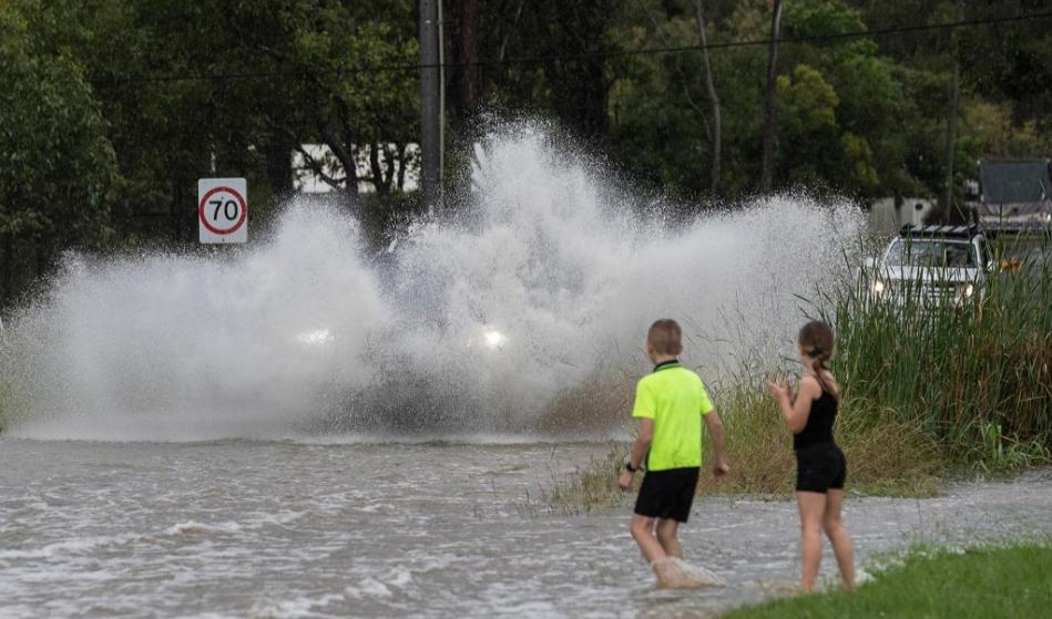 街道被浸泡.jpg