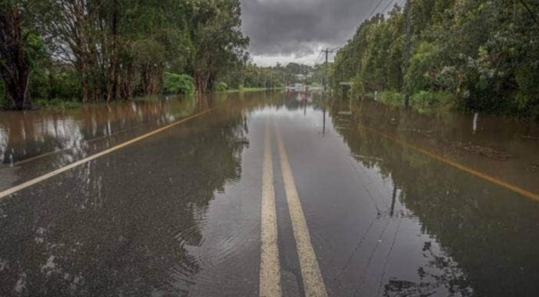 街道被浸泡2.jpg
